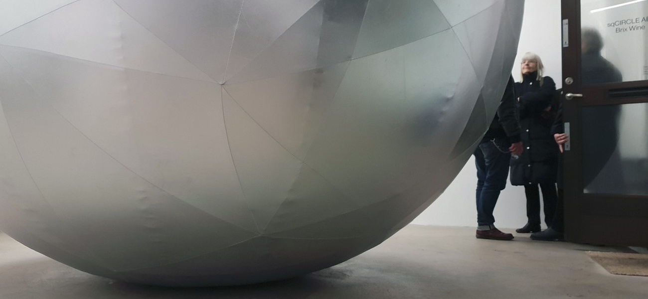 TRUNCATED ICOSAHEDRON Fiberspace Gallery, Stockholm 2018©Lotte Nilsson Välimaa, foto Kenneth Pils.